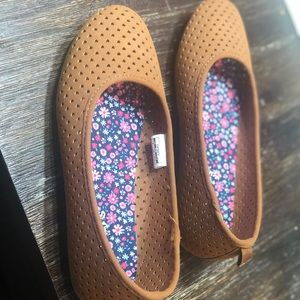 Brand new carters girls shoes size 3